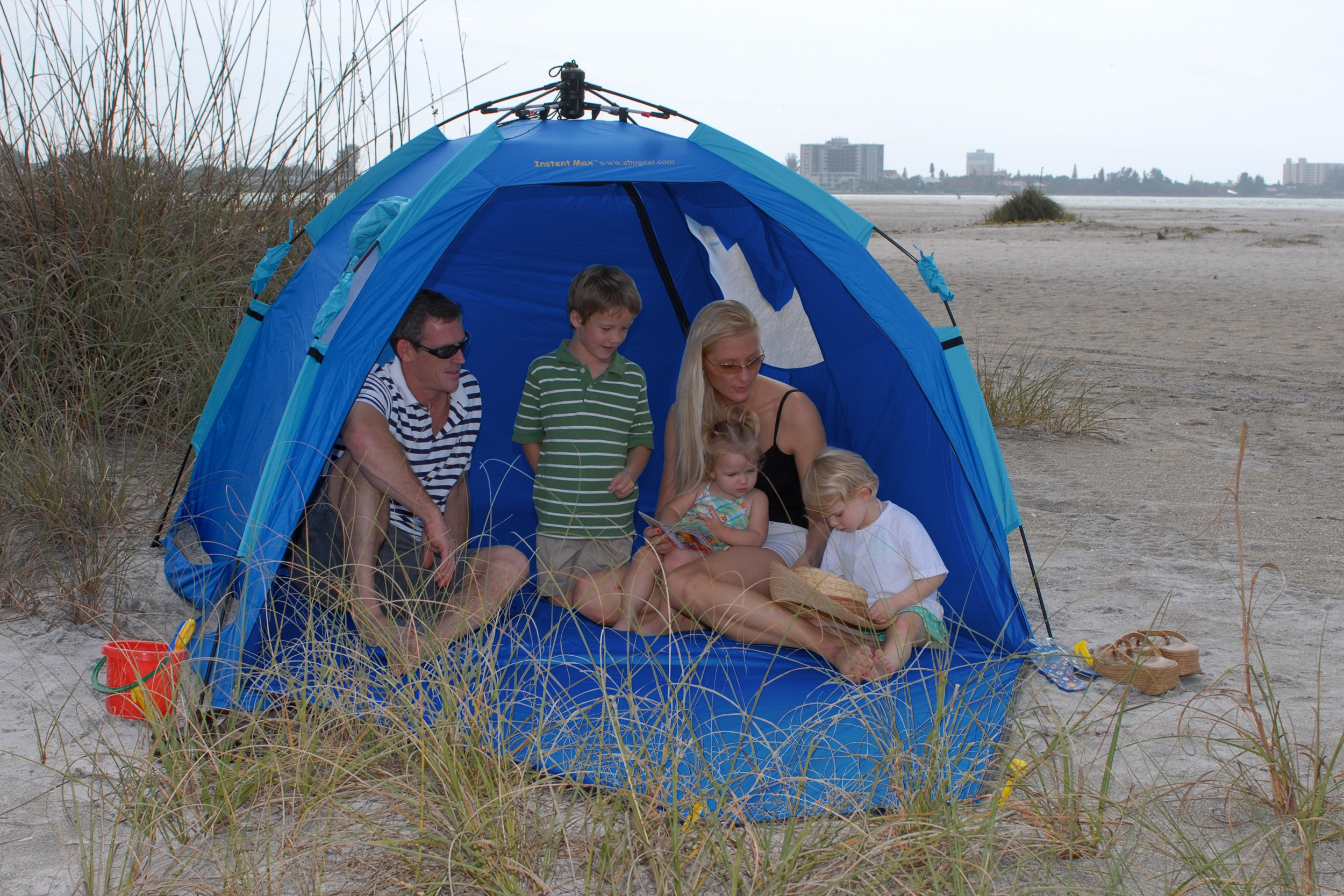 ABO Gear Instent Max Beach Tent u2013 Beach Tent UV Protective beach Tents and Clothing for the UK & ABO Gear Instent Max Beach Tent u2013 Beach Tent UV Protective beach ...